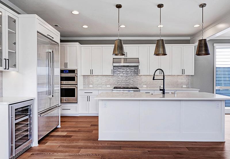 Kitchen Counter & Appliances