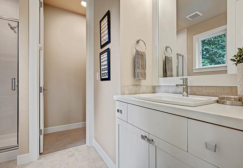 Upton II Bedroom-4-Bath