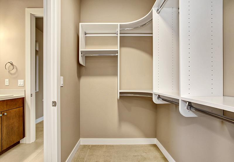 Easton Bedroom-4-WIC