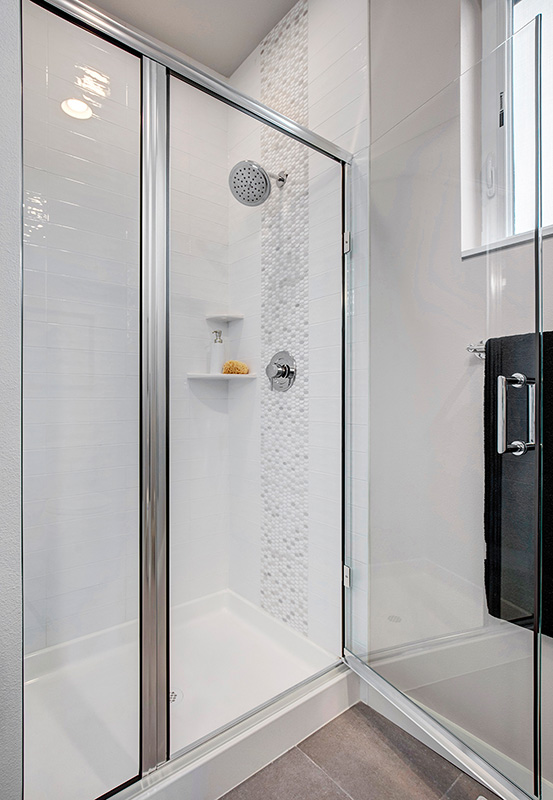 Upton I Ensuite-Bath walk-in glass door shower