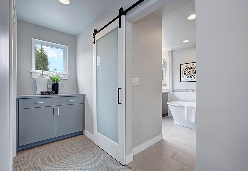 801 Bancroft Place Master Bath