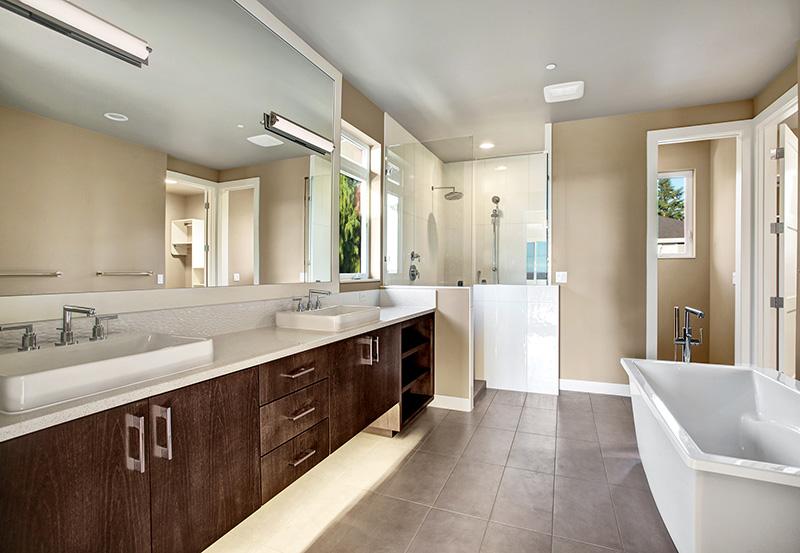 Easton Master-Bath