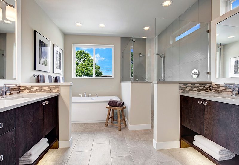 LakeVue I Master Bath