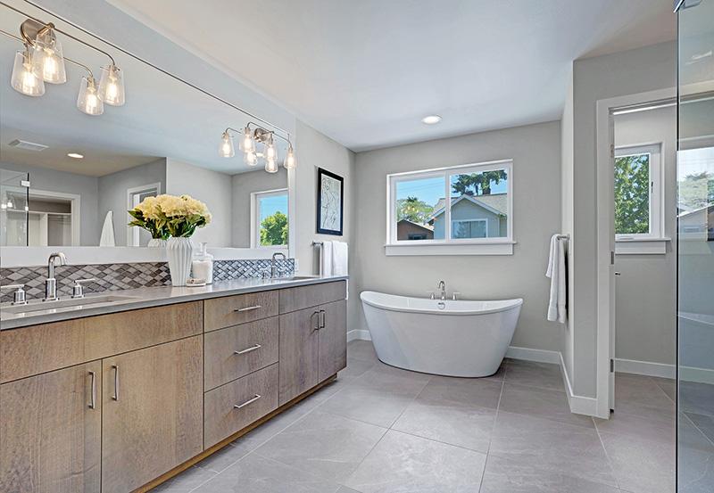 Thornton Master-Bathroom
