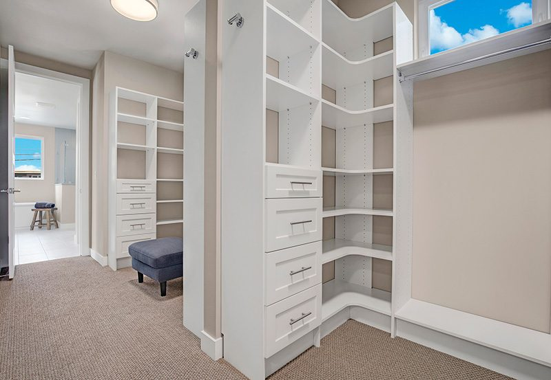 LakeVue I Walk-In-Closet