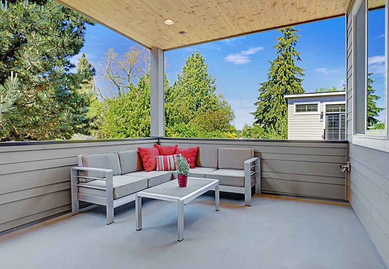 Thornton Outdoor-Living-Area