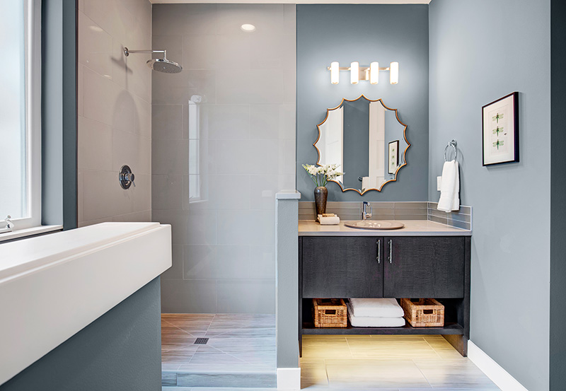 LakeVue I Powder Room