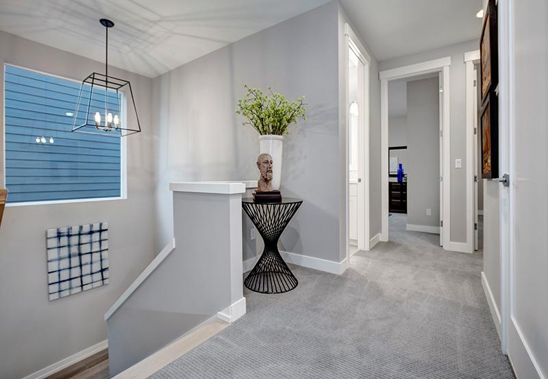 Pembrooke I Upper-Hallway