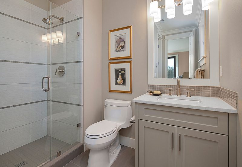 Lyon Guest Suite Bathroom