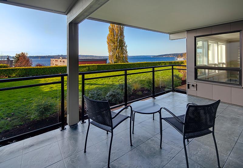 Lake View Manor Patio